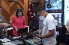 Jenderal Andika Perkenalkan Ferry Sunarto kepada Serda Aprilio Perkasa Manganang - JPNN.com