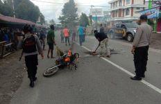 Manokwari Mencekam, 2 Kelompok Warga Terlibat Bentrok, Satu Orang Tewas - JPNN.com
