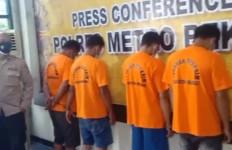 Begini Cara Pelaku Ganjal Mesin ATM di Bekasi Beraksi, Jangan Ditiru - JPNN.com