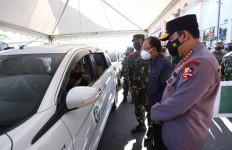 Tinjau Vaksinasi Covid-19 Massal di Bali, Ini Harapan Kapolri Jenderal Listyo Sigit - JPNN.com