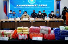 Operasi Jaring Sriwijaya Bea Cukai dan BNN Sikat Kapal Pembawa 80 Kg Sabu-Sabu - JPNN.com