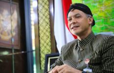 Ganjar Gelar Pertemuan Tutup dengan Tim Pembuat Vaksin Nusantara, Semua Peneliti Enggan Bicara - JPNN.com