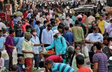Lonjakan Kasus Makin Meningkat, India Kehabisan Vaksin Covid-19 - JPNN.com