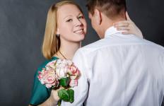 Jangan Jatuh Cinta dengan Pria yang Memiliki 5 Sifat Ini Jika Tak Ingin Sakit Hati - JPNN.com