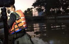 Tepergok Mencuri Motor, Dua Pemuda Kabur Menceburkan Diri ke Kali, 1 Hilang - JPNN.com