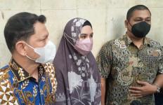 Suami Terpapar Covid-19, Kartika Putri Kelimpungan - JPNN.com