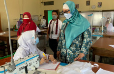 Kasus Covid-19 Meningkat Setelah PTM, Bu Retno: Aneh, Sekolahnya Masih Tetap Buka - JPNN.com