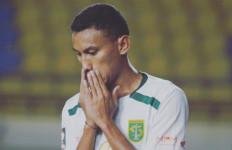 Rivaldi Bawuo Mundur dari Persebaya, Aji Santoso Bilang Begini - JPNN.com