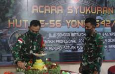 Satgas Yonif 642/Kps Rayakan HUT Secara Sederhana di Perbatasan - JPNN.com