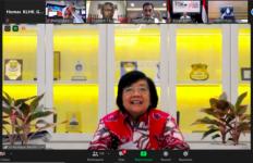 Menteri Siti Minta Semua Pihak Tetap Waspada Mencegah Karhutla - JPNN.com