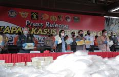 Operasi Dewa Ruci 2021, Bea Cukai dan Polri Menyita 1,278 Ton Sabu-Sabu dari Sindikat - JPNN.com