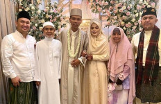Ustaz Abdul Somad Menikah Lagi, Sejumlah Artis Ucapkan Selamat - JPNN.com