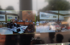 Tim Kuasa Hukum Habib Rizieq Dapat Teguran, Hakim: Buang-Buang Waktu Saja - JPNN.com