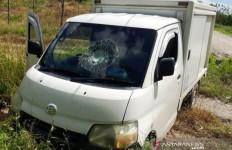 Polisi Melakukan Penyekatan, Syukri Tertangkap, 2 Kawannya Kabur, Lihat Itu Mobilnya - JPNN.com
