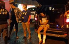Eksekutor Penyiraman Air Keras ke Aminudin Keok Ditembak, Dua Kakinya Bolong, Tuh Lihat - JPNN.com