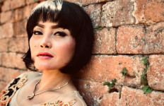 Lies Damayanti Bawakan Lagu Alun-alun Mojokerto untuk Pertama Kalinya - JPNN.com