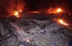 Kebakaran, Rumah Janda Lima Anak Itu Kini Tinggal Arang - JPNN.com