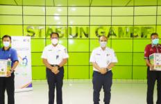 KAI Beri Bantuan Rp328 Juta untuk Para Porter di 12 Stasiun - JPNN.com