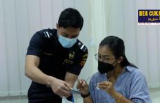Memberantas Rokok Ilegal, Bea Cukai Gencar Sosialisasi Cara Identifikasi Pita Cukai - JPNN.com