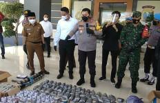 Jelang Idulfitri, Polisi Sita 69,5 Kilogram Peledak dan Ribuan Petasan Siap Edar - JPNN.com