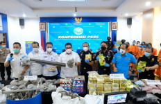 JagaPesisir Sumatera dari Barang Ilegal, Bea Cukai Selamatkan Kerugian Negara Miliaran Rupiah - JPNN.com