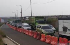 Gerbang Tol Cileunyi Bandung Mulai Dipadati Kendaraan - JPNN.com