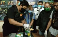 Satgas TNI Menggagalkan Penyelundupan 1,7 Kilogram Sabu-Sabu - JPNN.com