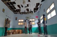 Ledakan di Sekolah Madrasah Pekalongan, 1 Orang Tewas, 4 Luka Parah - JPNN.com