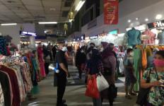 Situasi Pasar Tanah Abang Jelang Lebaran - JPNN.com