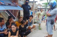 Enam Orang Tinggal Satu Atap, Ya Ampun, Semua Doyan Berbuat Dosa, Lihat - JPNN.com