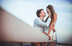 4 Tips Menghindari Rayuan Gombal Pria Playboy - JPNN.com