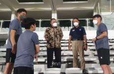 Usai Jalani Karantina, Shin Tae Yong Akhirnya Pimpin Latihan Timnas Indonesia - JPNN.com