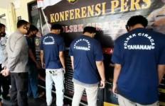 Tawuran di Cibubur, Satu Orang Kena Bacok, Masalahnya Sepele - JPNN.com