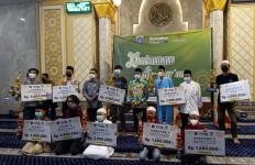 Baznas Bazis DKI Salurkan Bantuan Kepada Para Da'i, Marbot, dan Guru Ngaji se-DKI Jakarta - JPNN.com