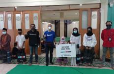 Forwot-Piaggio Indonesia Salurkan Bantuan untuk Anak Yatim dan Duafa - JPNN.com
