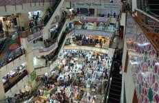 Pengunjung Pasar Tanah Abang dan Thamrin City Membeludak, Omzet Pedagang Meningkat - JPNN.com