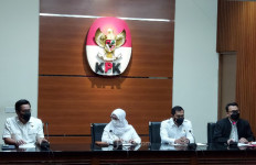 Bupati Nganjuk dan Sejumlah Camat Ditetapkan Sebagai Tersangka - JPNN.com