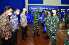 Laksamana Yudo Bagikan Paket Sembako Gratis Kepada Prajurit TNI AL - JPNN.com