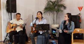 Nyanyikan Lagu Nanggala 402 Abadi di Samudra, Royke Disambut Antusiasme