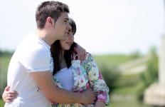 5 Trik Atasi Rasa Cemburu Berlebih ke Pasangan - JPNN.com