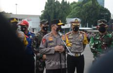 Irjen Fadil: 11.281 Personel Gabungan Dikerahkan Amankan Salat Id di Jakarta - JPNN.com