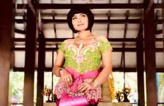 Usai Lebaran, Lies Damayanti Nyanyikan Lagu Alun-alun Mojokerto di Setiap Panggung - JPNN.com