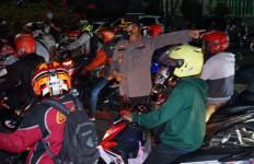 Puluhan Ribu Kendaraan Diputarbalikkan di Pos Penyekatan, Pemudik Motor Jangan Harap Bisa Lolos - JPNN.com