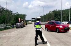 Penyekatan di Tol Trans Sumatera, Ini Total Kendaraan yang Disuruh Putar Balik - JPNN.com