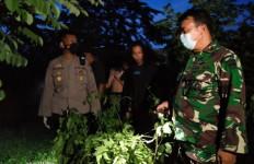 Wak Ono Ditemukan Tak Bernyawa di Kolam, Anggota Polri dan TNI Turun ke Lokasi - JPNN.com