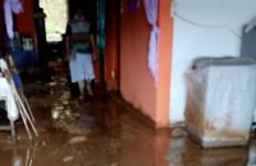Banjir Bandang Terjang Parapat, 6 Rumah Rusak, Arus Lalu Lintas Normal - JPNN.com