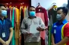 Dikecam Netizen, Orang Tua yang Memarahi Kasir Indomaret Akhirnya Minta Maaf - JPNN.com