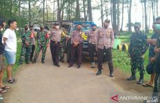 Polisi dan Pasukan Koramil Datang, Warga Langsung Bubar - JPNN.com