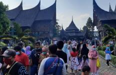 Cerita Pengunjung TMII yang Rindu Kampung Halaman, Mengharukan - JPNN.com
