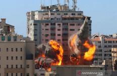 Israel Menggempur Hamas, Kantor Associated Press dan Al Jazeera di Gaza Hancur - JPNN.com
